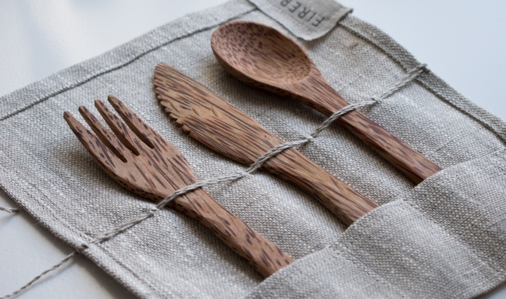 An image of bamboo cutlery in a small pouch.